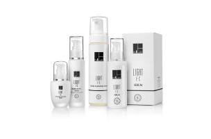 LIGHT E+C - Увлажняющая линия для жирной кожи